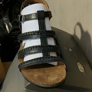 Black leather sandals ladies size 8.5M